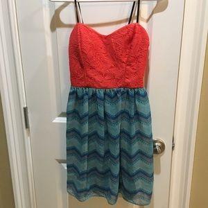 Dresses & Skirts - Strapless Juniors Dress